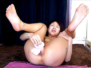 Oriental Cutie beautiful feet solo squirtingHDポルノ動画