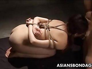 被捆绑强奸的极品靓丽人妻