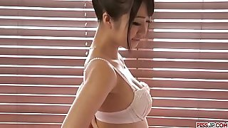 Hot japan girl play on the cam