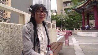 Em gá_i Trung Hoa Д'eo mбєЇt kí_nh dâ_m. full: