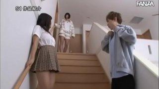 yumi shion гѓЋгѓјгѓ–гѓ©Iカップおっぱいで全力アピールしてくる彼女の爆乳妹と、誘惑に負けちゃг�